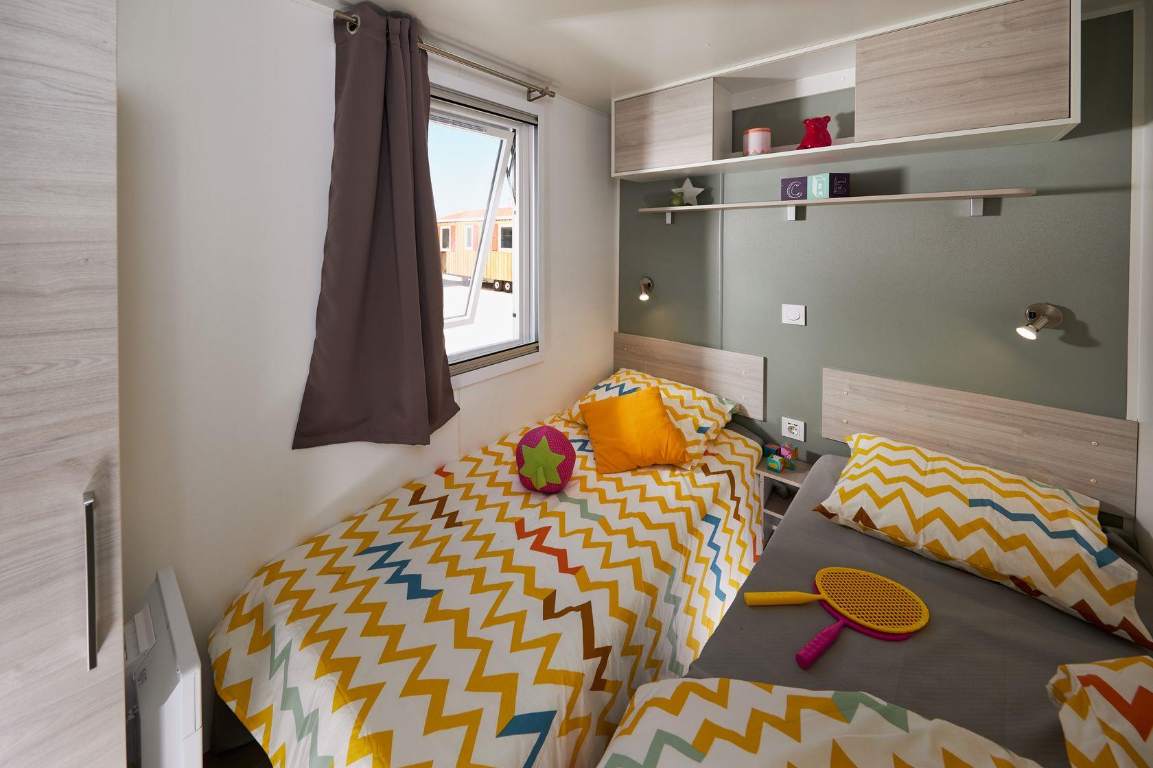 Camping-monte-ortu-new-mobile-homeslaapkamer