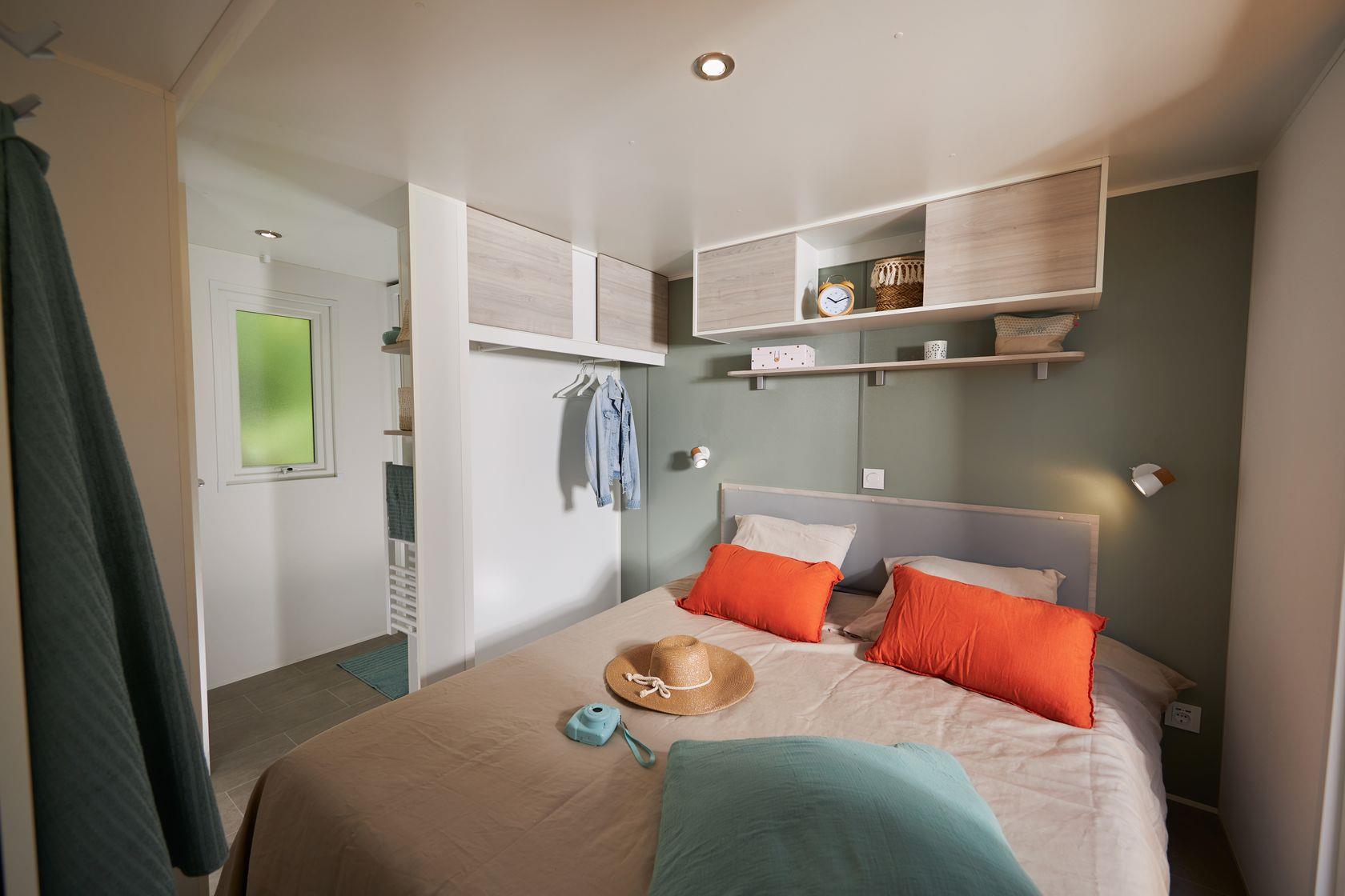Camping-monte-ortu-nouvelle maison mobile vue mer-chambre à coucher