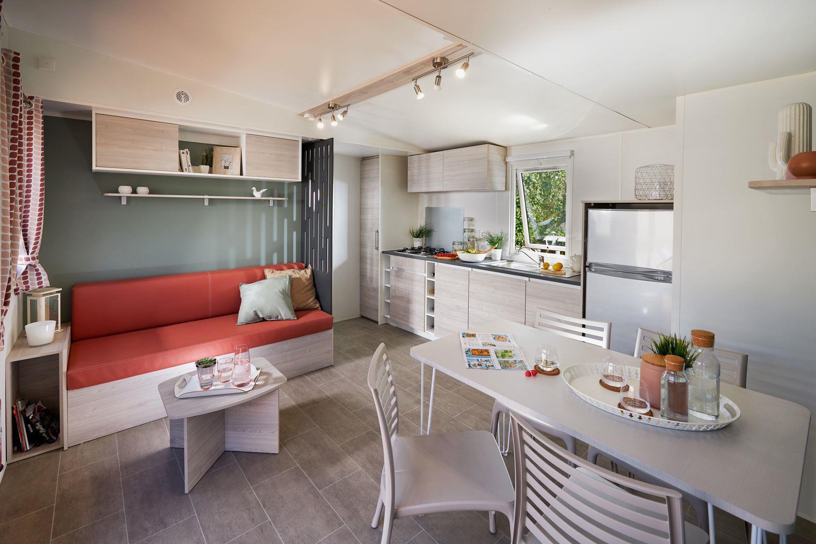 Camping-monte-ortu-nouvelle maison mobile vue mer-salon